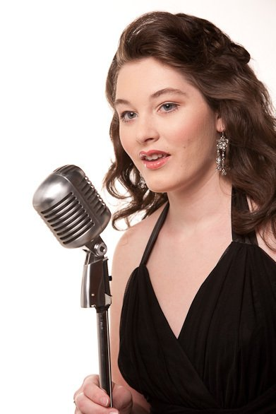 A Hope to Believe Mandy Harvey Jazz Singer Invisible Disabilities Association