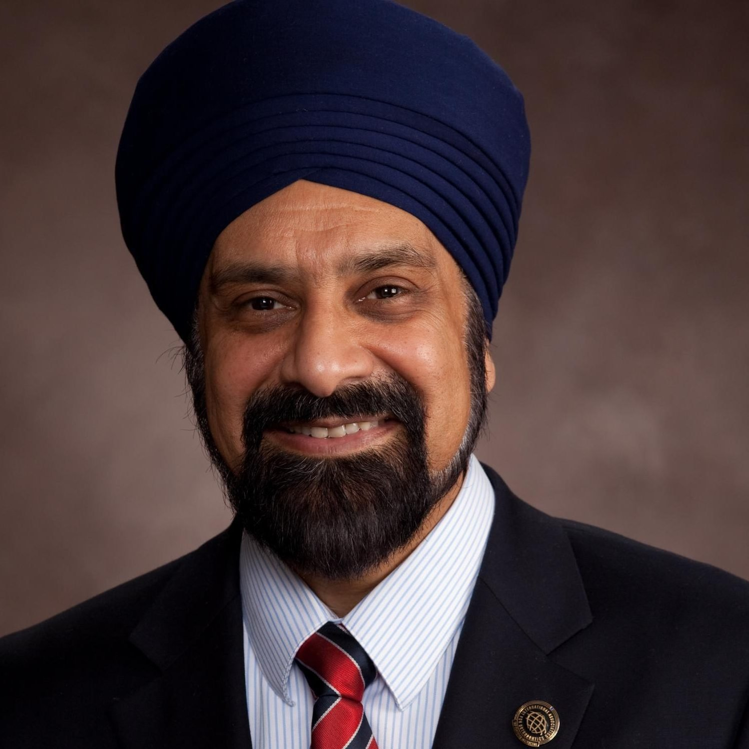 Dave Singh DMD PhD DDSc - 2019 Healthy Living Award - Invisible Disabilities Association